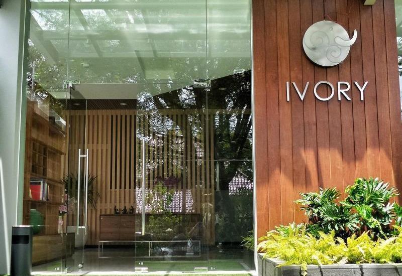 Ivory By Ayola Hotel Bandung - Entrance