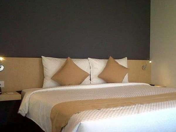Hotel 88 Embong Malang - Tempat tidur double