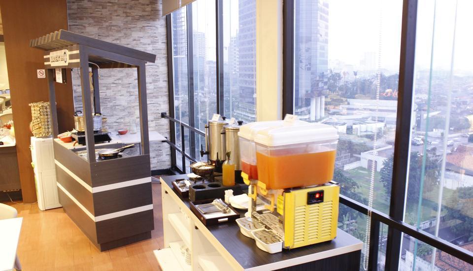 Hotel 88 Embong Malang - Ruang makan
