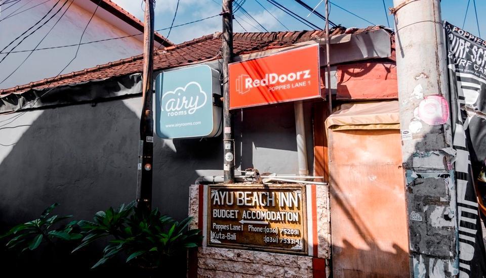 RedDoorz @Poppies Lane 1 Bali - Signage