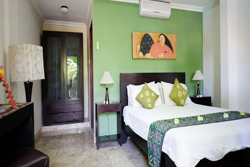 Ellies Hotel Bali - Standard Room - With Breakfast Regular Plan