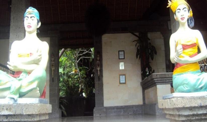 Ellies Hotel Bali - Resepsionis