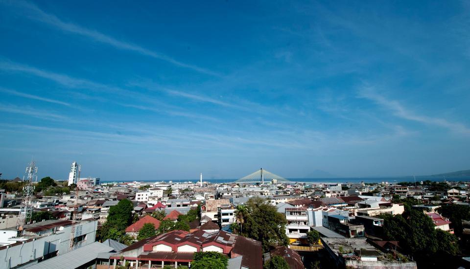 Sparks Lite Hotel Manado - Pemandangan Siang Hari