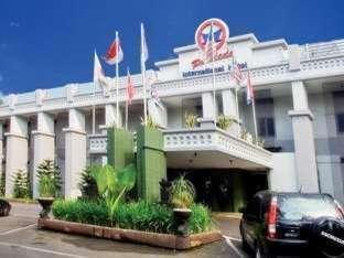 Pardede Hotel Medan - Tampak Luar