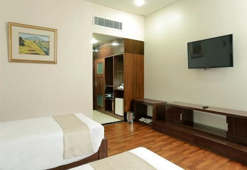 Sutan Raja Palu Palu - Deluxe Twin Room Regular Plan