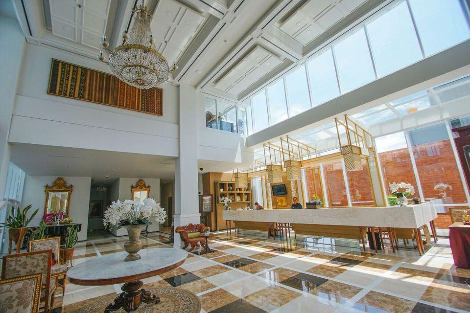 Ayola Lalisa Surabaya Surabaya - Lobby
