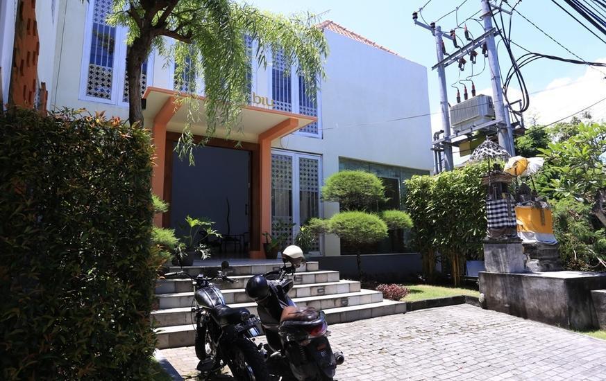 RedDoorz @Umalas Bali - Eksterior
