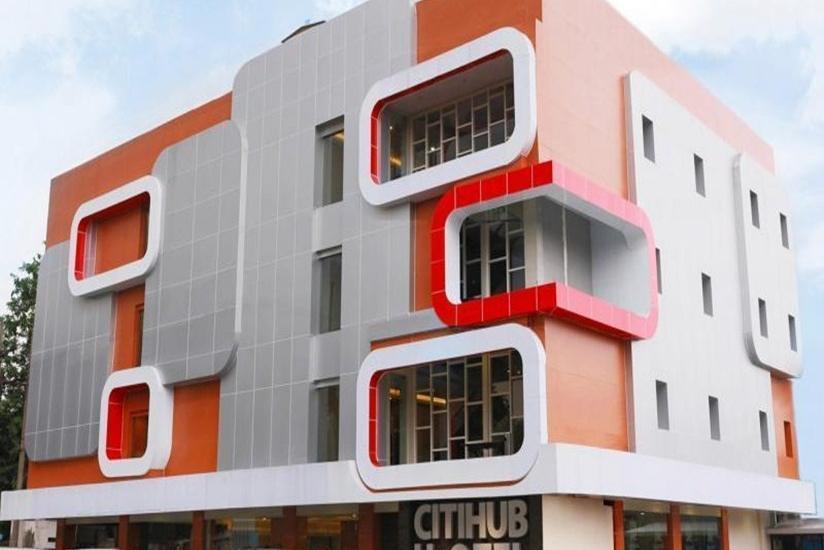 Citihub Hotel  Surabaya - Tampilan Luar Hotel