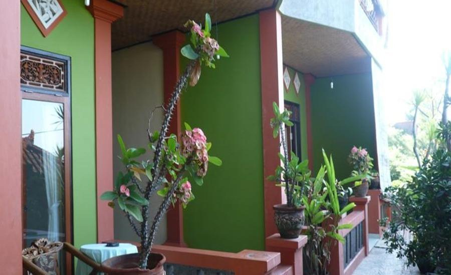 C'est Bon Homestay 1 Bali - Standar kamar tidur - balkon