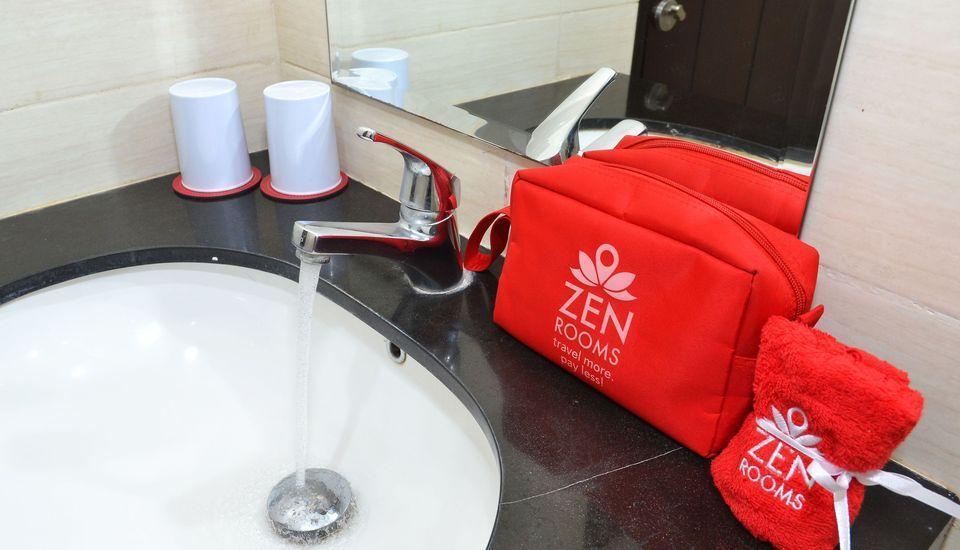 ZEN Rooms Kedung Sari Wonorejo Surabaya - Kamar mandi