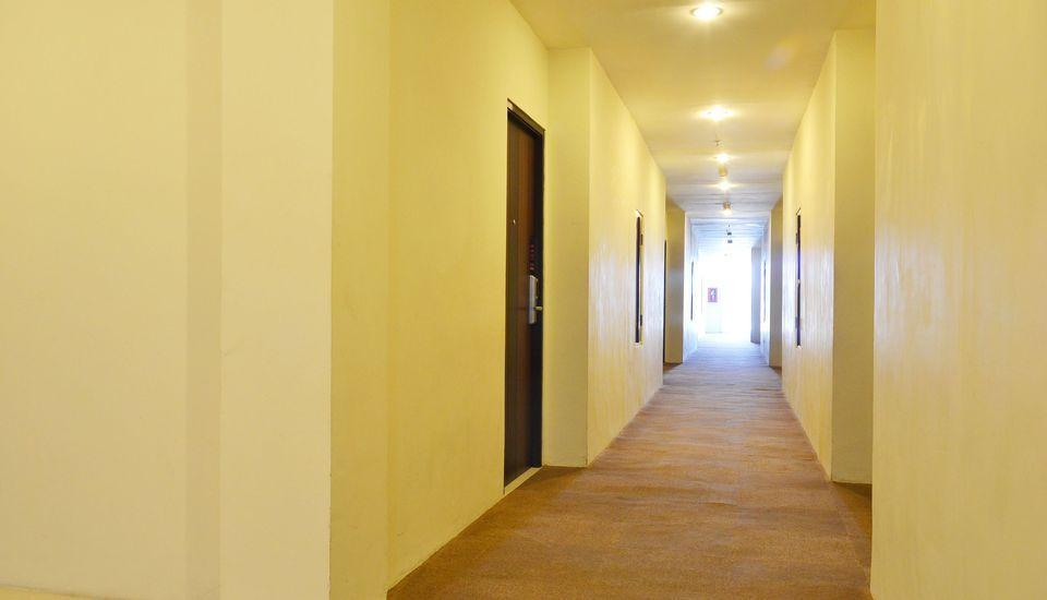 ZEN Rooms Kedung Sari Wonorejo Surabaya - lorong