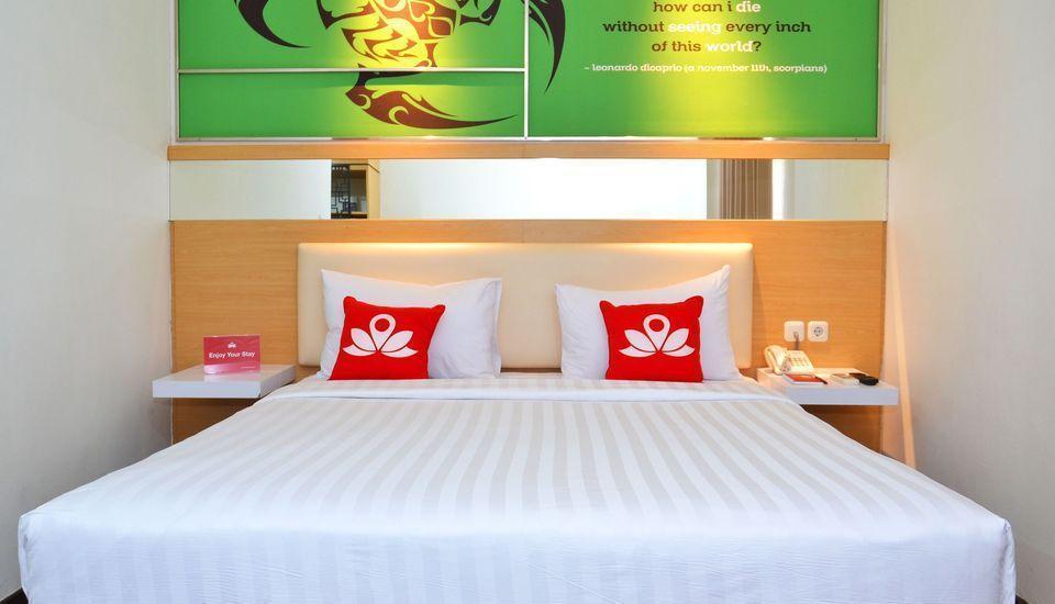 ZEN Rooms Kedung Sari Wonorejo Surabaya - Tempat tidur