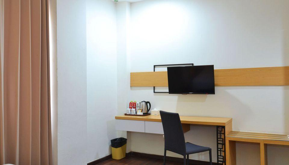 ZEN Rooms Kedung Sari Wonorejo Surabaya - Kamar Double