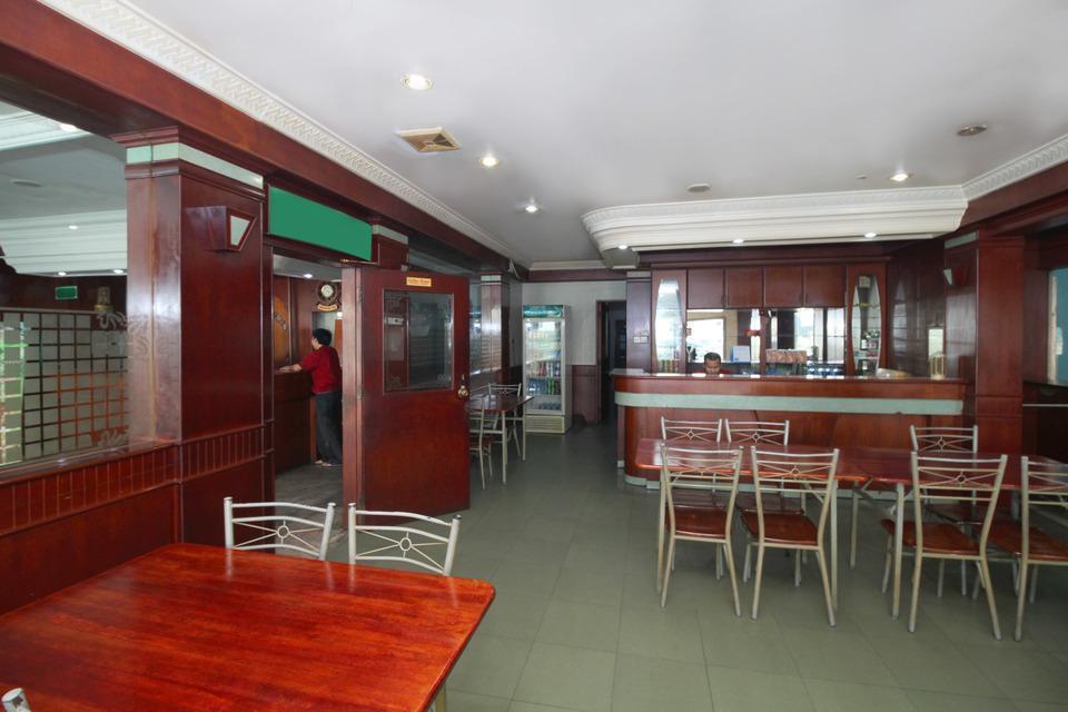 Airy Eco Nagoya City Centre 8 Batam - Restaurant