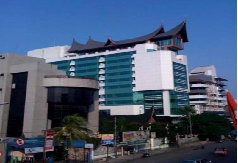Balairung Hotel Jakarta - Hotel Building