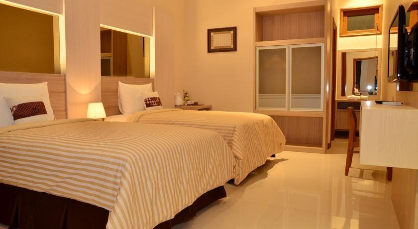 Kertanegara Premium Guest House Malang - Rooms
