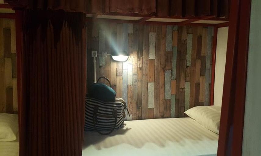 Bedplus Backpacker Seminyak Bali - Kamar tamu