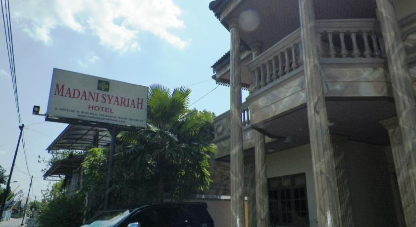 Hotel Madani Jogja - Tampilan Luar Hotel