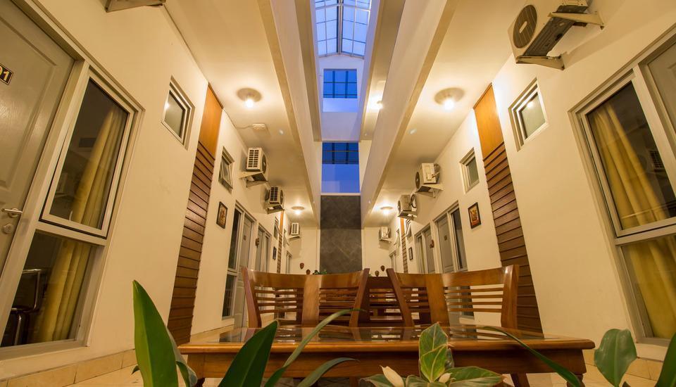 Hotel Poncowinatan Yogyakarta - Teras