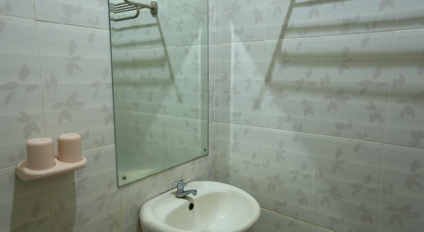 Puri Ganesh Bali - Bathroom