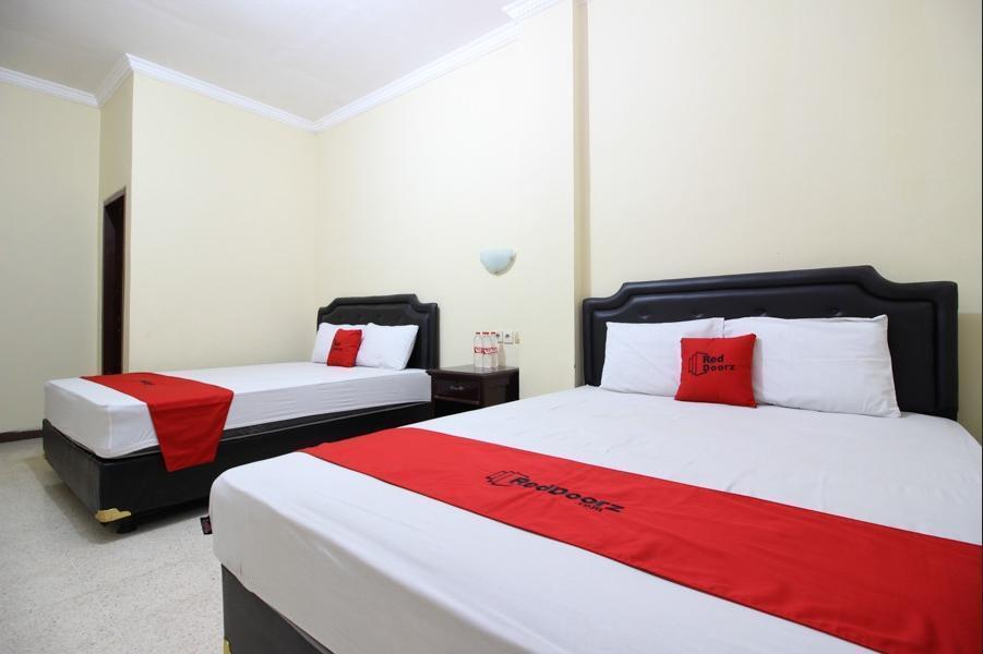 RedDoorz @ Mantrijeron 2 Yogyakarta - RedDoorz Room Regular Plan