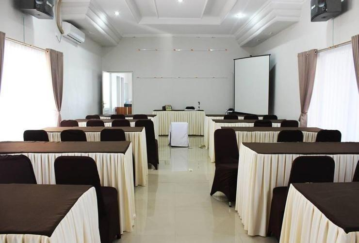 Pesona Bay Sea View Hotel Bangka - Meeting Room