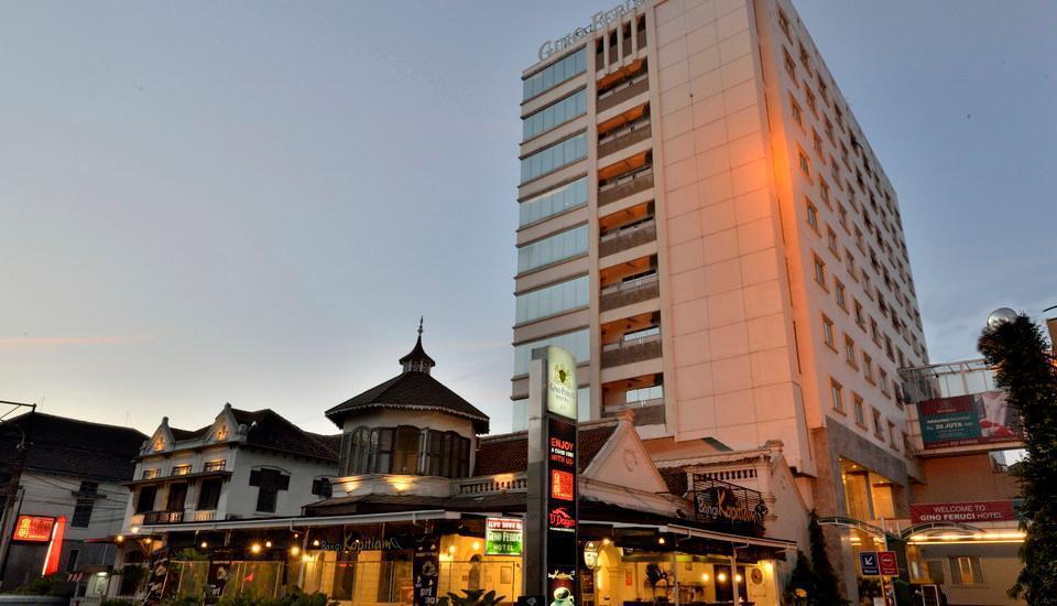 Gino Feruci Kebon Jati - Luar Hotel