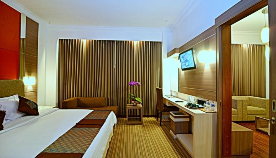 Grand Inna Tunjungan -  Suite Single Bed With Breakfast Regular Plan