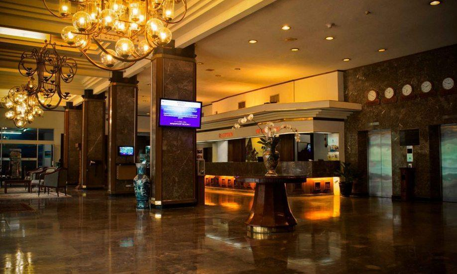 Inna Simpang Tunjungan Surabaya - Lobi Hotel