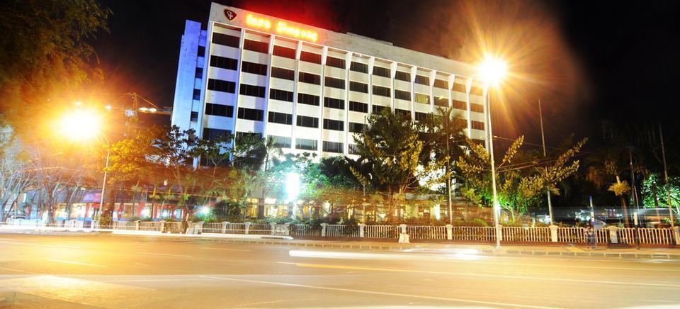 Grand Inna Tunjungan - Tampilan Luar Hotel