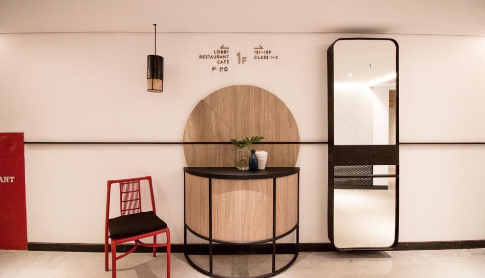 GAIA Cosmo Hotel Jogja - Lift Lobby