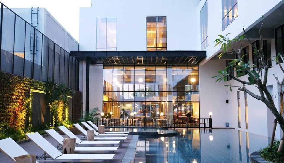 GAIA Cosmo Hotel Jogja - Pool View