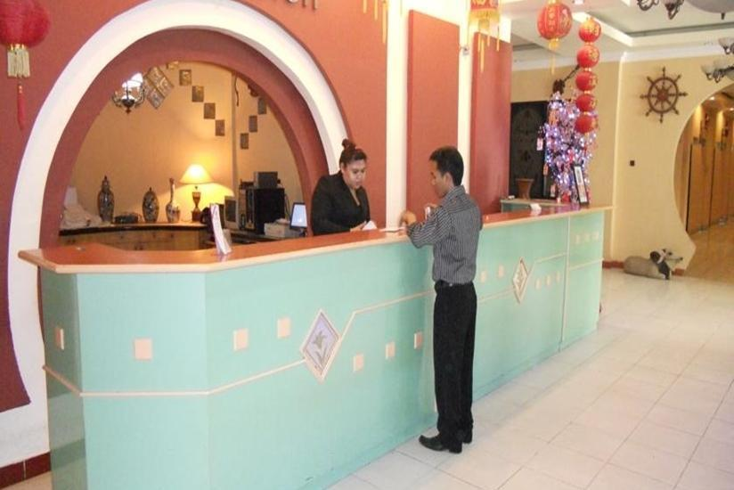 JB Hotel Samarinda - Reseptionis