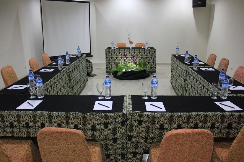 Bumi Cikeas Hotel Bogor - Meeting Room