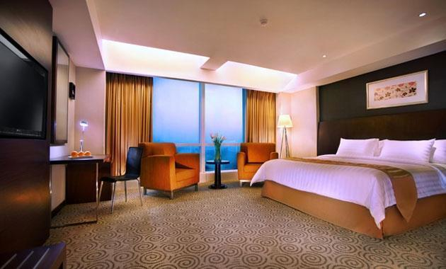 The Alana Surabaya Surabaya - Deluxe King Room Regular Plan