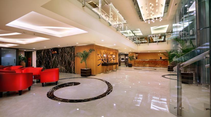 The Alana Surabaya Surabaya - Lobby