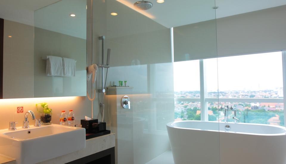 The Alana Surabaya Surabaya - Suite Room Regular Plan