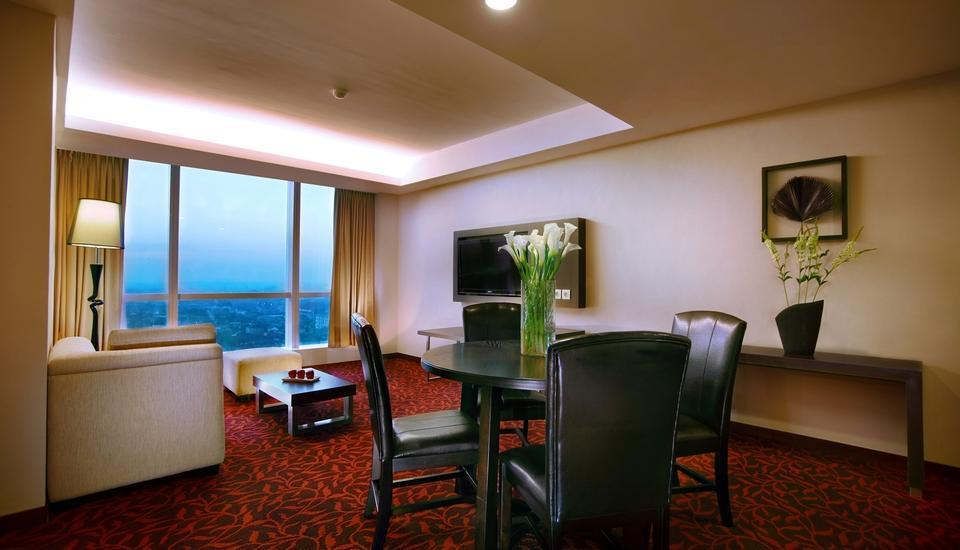The Alana Surabaya Surabaya - Suite Room Regular Plan