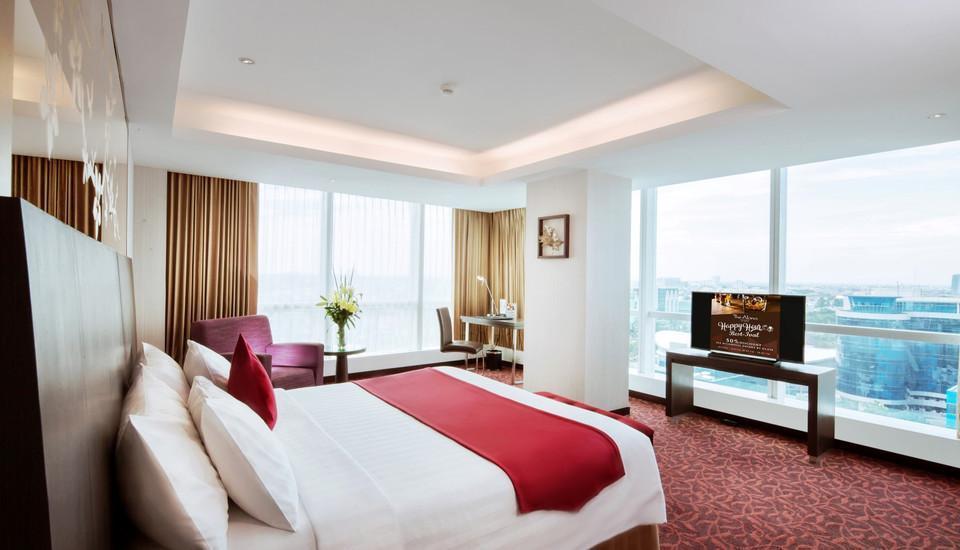 The Alana Surabaya Surabaya - Suite Room with City View Regular Plan