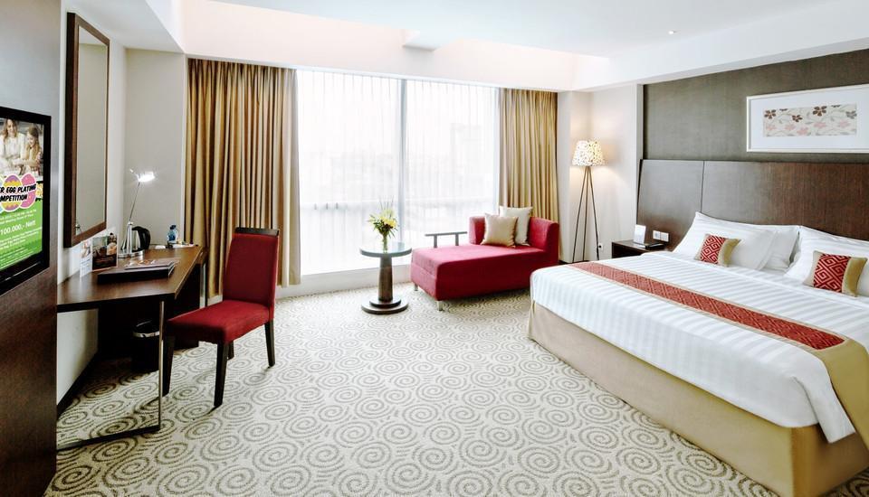 The Alana Surabaya Surabaya - Deluxe Room with City View Regular Plan