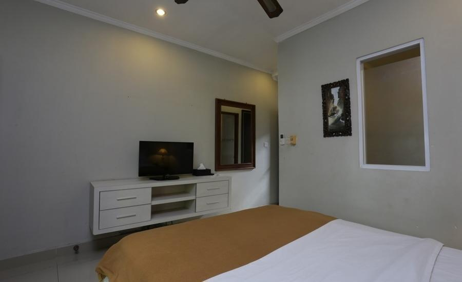RedDoorz near Pantai Double Six Bali - RedDoorz Room Regular Plan