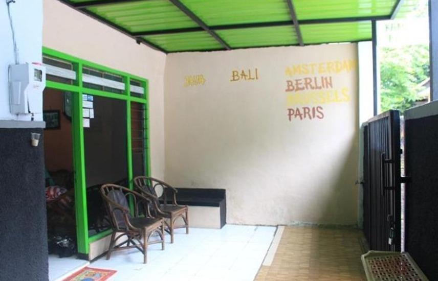 Kampoeng Pakis Inn Banyuwangi - Teras