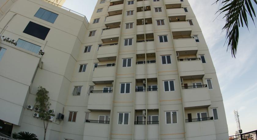 Twin Hotel Surabaya - Tampilan Luar