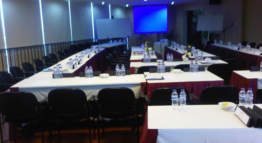 Twin Hotel Surabaya - Ruang Pertemuan