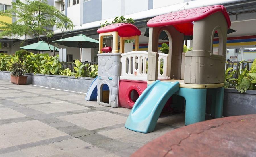 RedDoorz Apartment @Sentra Timur Jakarta - Taman Bermain Anak