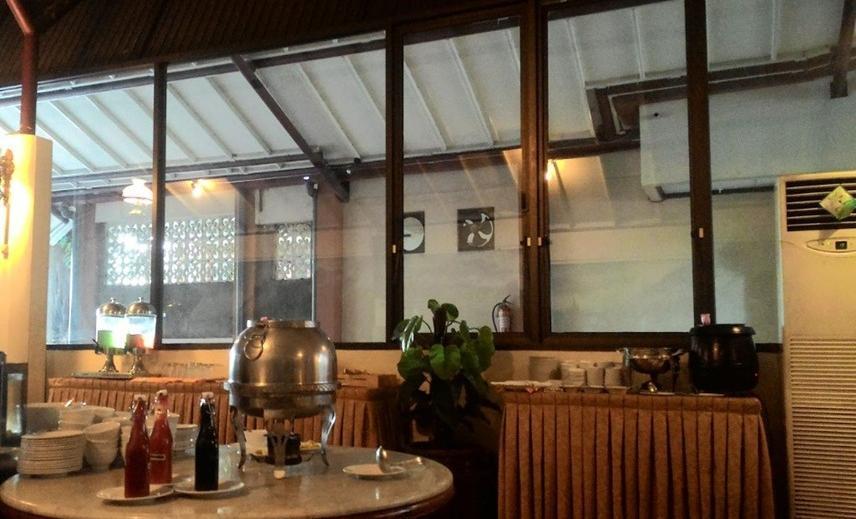 Hotel Merdeka Madiun - Prasmanan