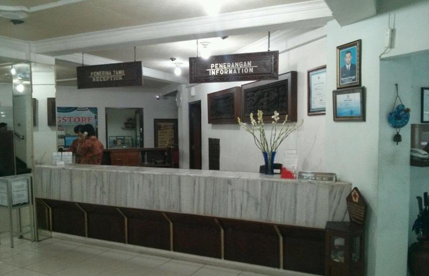 Hotel Merdeka Madiun - Resepsionis