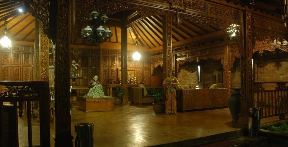 The Edelweiss Hideaway Solo - Lobby