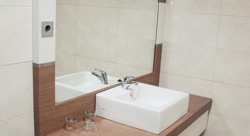 Ideas Hotel Bandung - Kamar mandi