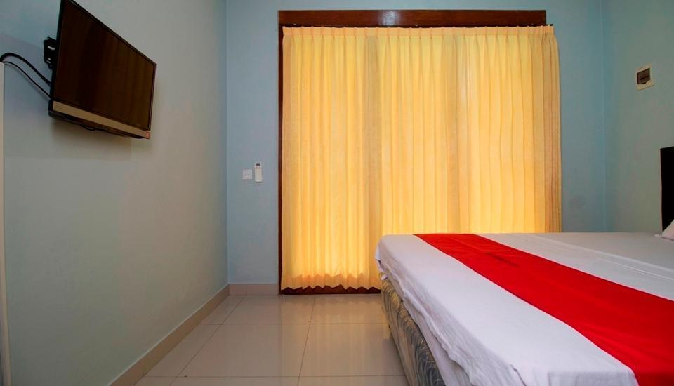 RedDoorz @Poppies Lane Two Bali - Kamar tamu